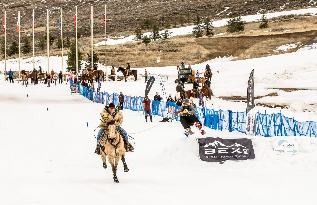 Skijoring in Midway, Heber Valley. Foto Credit Skijoring Utah, Rocky Mountain Outfitters