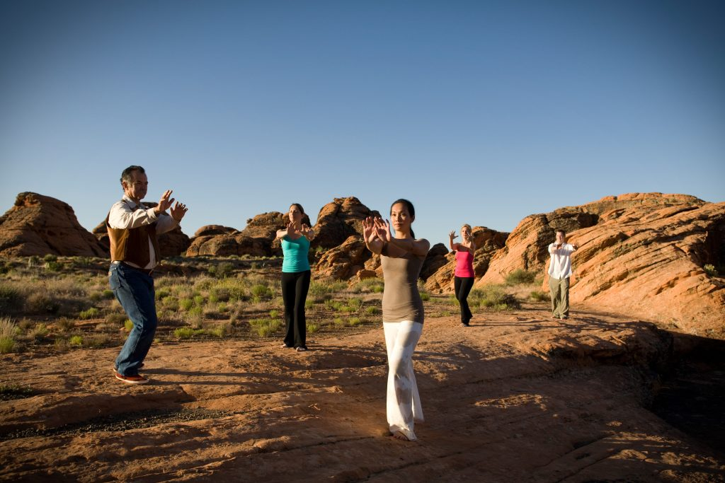 Tai Chi Kurs beim Red Mountain Resort, Foto Credit: Red Mountain Resort