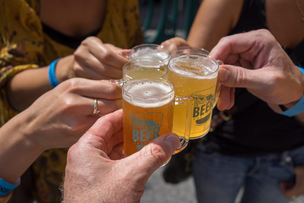 Bier-Tasting beim Utah Beer Festival. Foto Credit Jon Burkholz, Visit Salt Lake