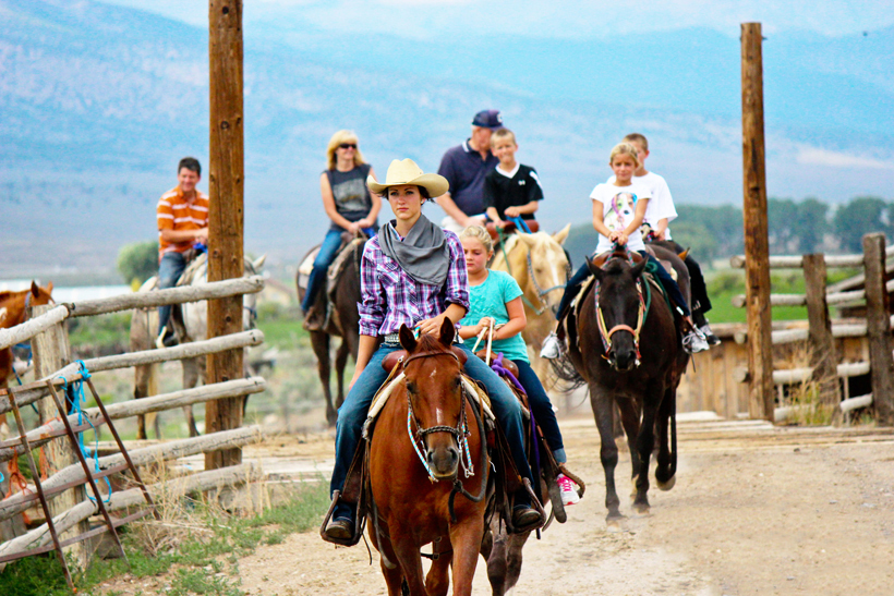 Foto: Reitausflug bei der Rockin'R'Ranch. Credit: Rockin'R'Ranch │Utah Office of Tourism