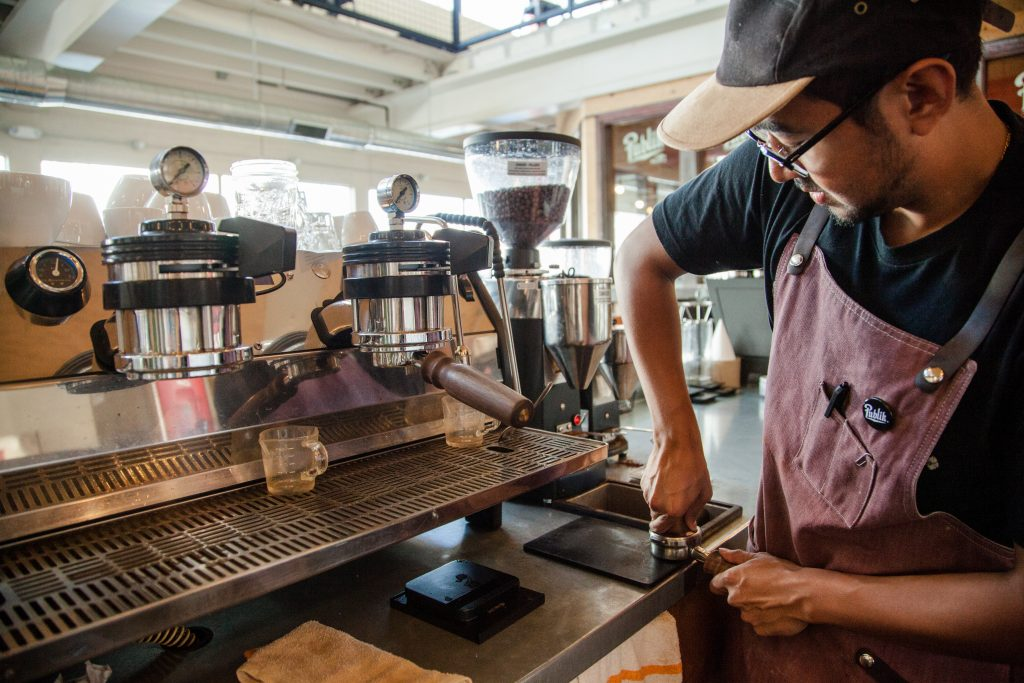 Foto: Barista im Publik Coffee Roasters in Salt Lake City. Credit: Utah Office of Tourism
